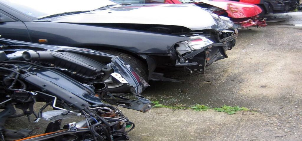 Old Scraped & Damaged Cars Car Removal Services GTA